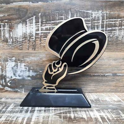 Broderie des Patriotes - Trophees - Chapeau noir et or